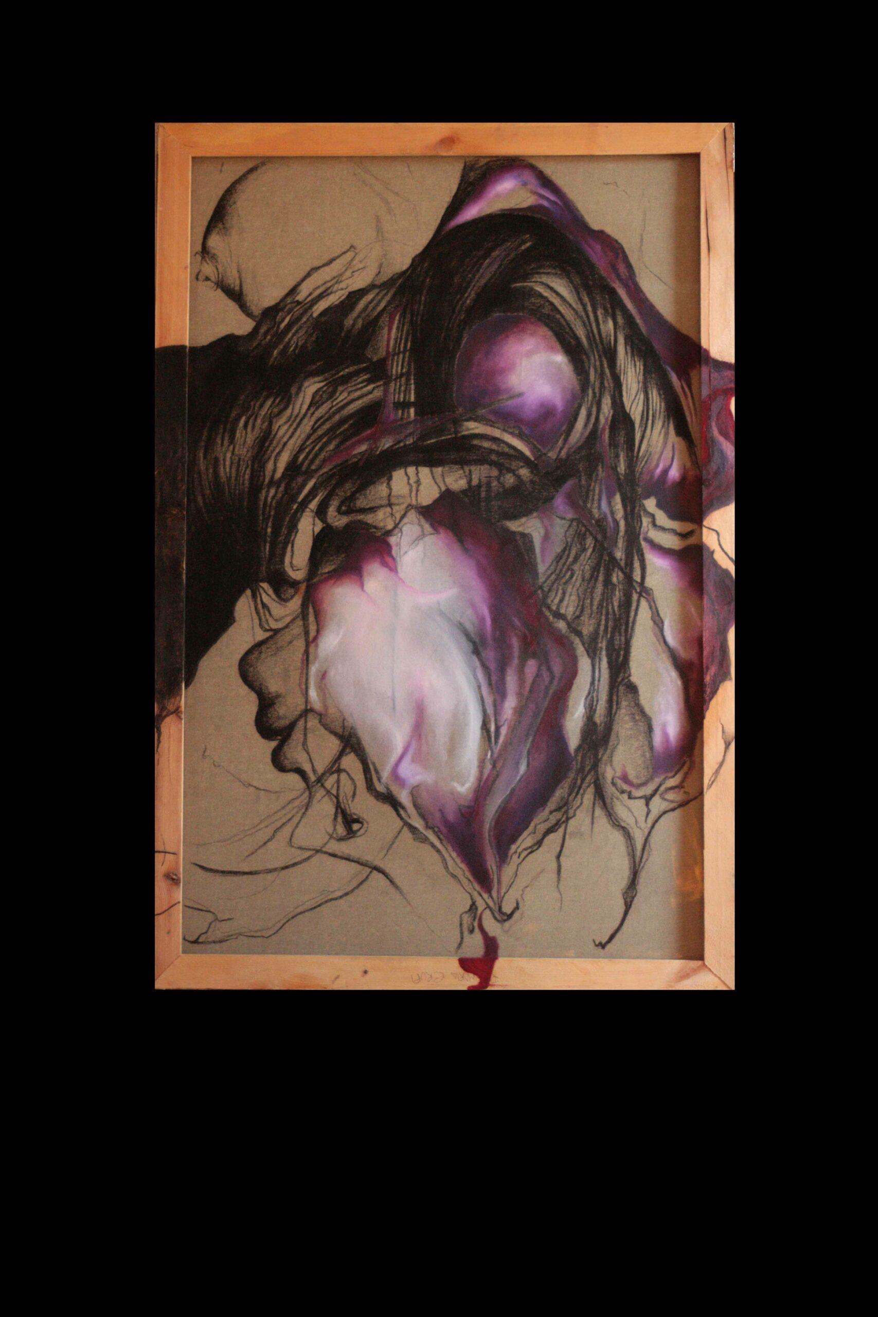 """CRUPI ROSAMARIA: """"Giglio"""" TECNICA: mista su tela DIMENSIONI: 100x70 Una rosa legata, tesa tra due fili rossi, gravida del suo colore, dell'abbondanza dei suoi petali sbocciati, è espressione dell'abbondanza e del donarsi della natura. Rosa arcaica, eterna è in continua mutazione emblema dell'amore, la natura che si dona e permette la vita. In questo caso il fiore d'amore non riesce a manifestarsi completamente, è colma d'amore ma questo viene negato, una storia """"sbagliata"""" che non può essere vissuta, negata nel suo sbocciare."""
